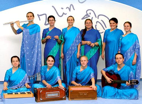 Sri Chinmoy zenéje - Agnikana csoportja